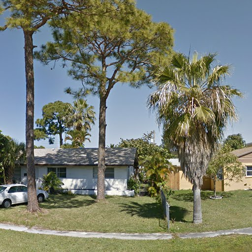 Apartments For Rent West Palm Beach: 2BR/1.0BA In 4710 Pine Cone Lane